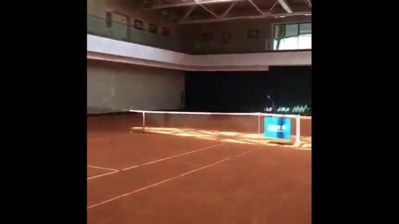 I did it for you @Simona Halep look the video on Twitter too we need to see this tweener