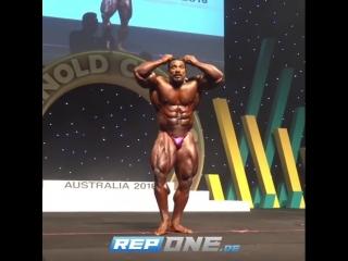 Roelly Winklaar Posing @ Arnold Classic Australia 2018