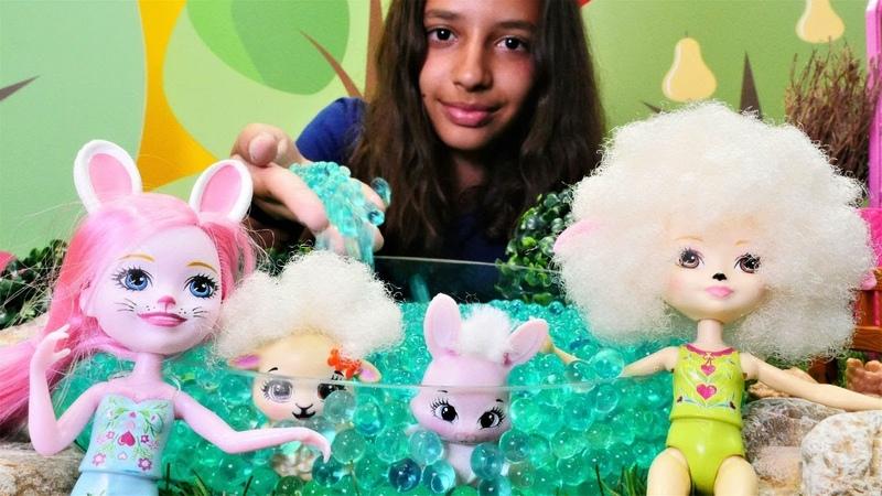 Kız oyuncakları. Enchantimals bebekleri ile sihirli havuz yapıyoruz!
