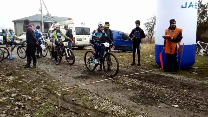 Первый старт Зимнего Чемпионата Украины по велоспорту маунтинбайк в Ужгороде