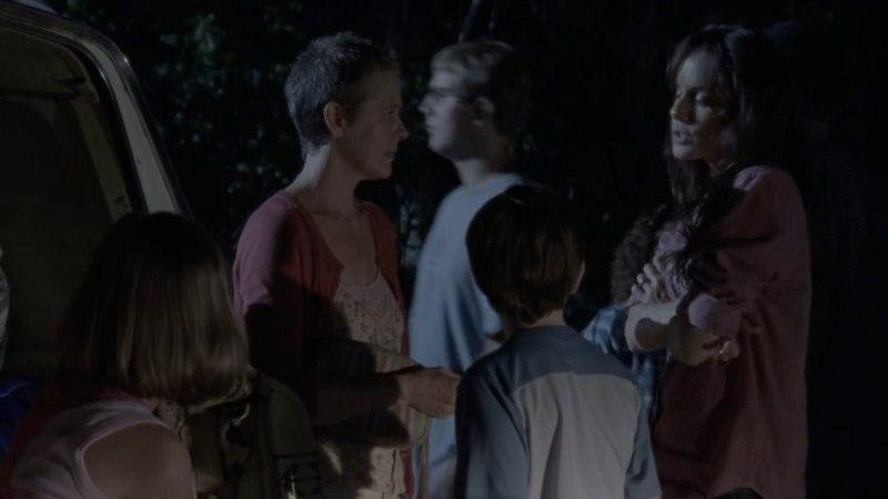 Шейн спасает Лори и Карла