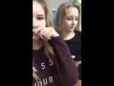 два роговых лесбиянки практикуют поцелуй на перископе 3
