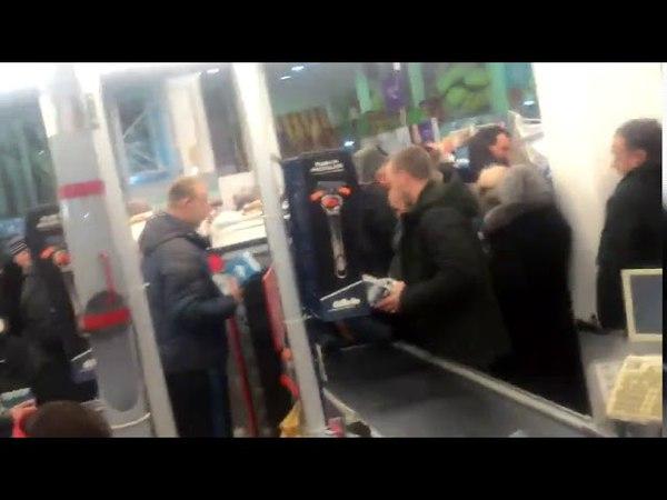 Потасовка в очереди за игрушками в Брянске