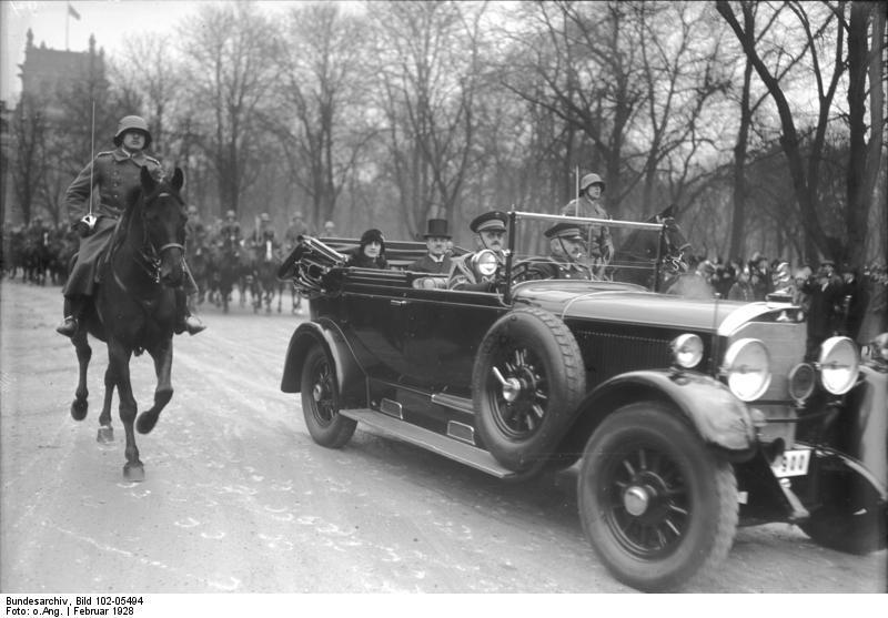 Король Афганистана Аманулла с визитом в Берлине, 1928