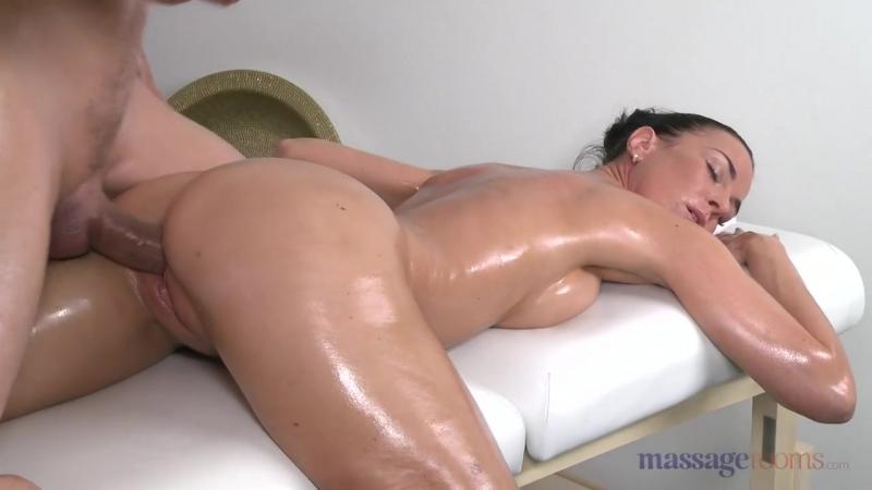 Кончают внутрь на массаже, дряхлый старик порно