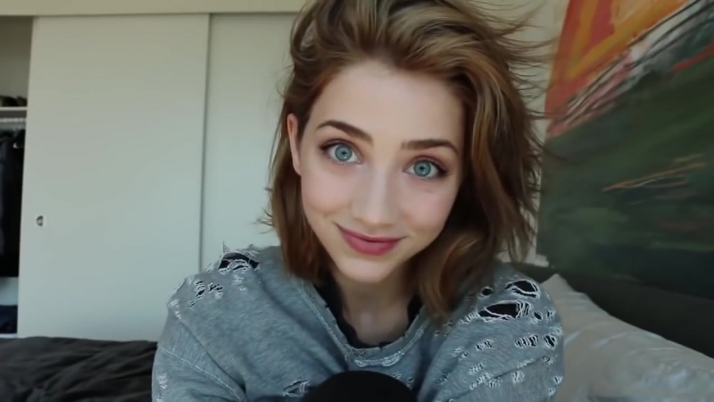 Beautiful Emily Rudd