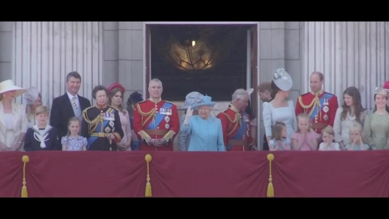 Гимн God save the Queen на параде Trooping the Colour в честь официального дня рождения британского монарха (Елизавете 92 года)