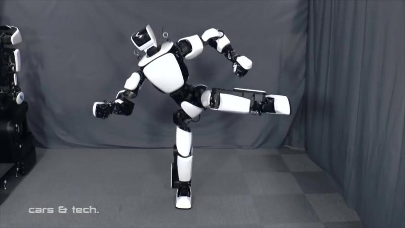 Toyota Unveils Humanoid Robot T-HR3 ( 3rd gen ) International Robot Exhibition 2017