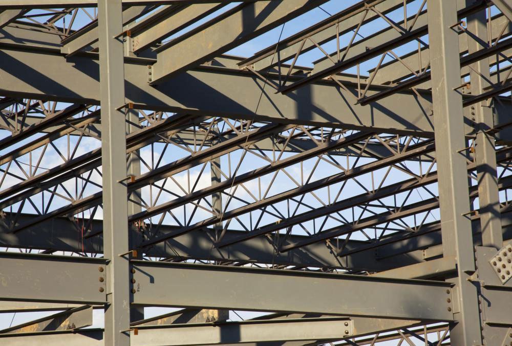 Сталь широко используется в строительстве.