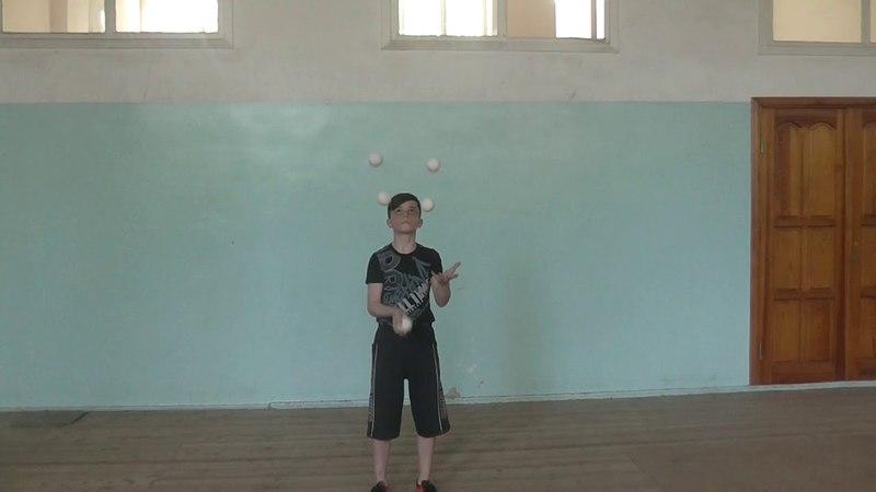 жонглирование 5 ю мячами Богдан Самаров