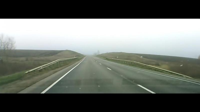 Как дальнобои помогают на трассе (полная версия)