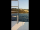 мына катере в открыиом море