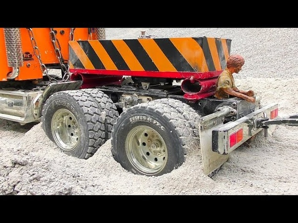 Fantastic RC Construction Site! Cool RC Vehicles Work at the Quicksand! Nice Volvo