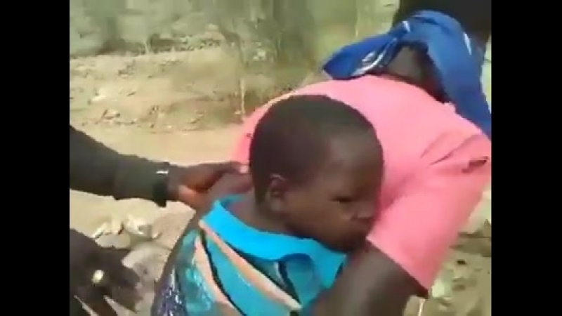 Смерть ... Африка Убивают детей и женщин