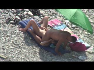 На спину положил,В РОТ ОТЪЕБАЛ (подсмотр,пляж,секс,hidden cam,bh,beach hunter)