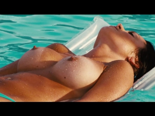 Обнажённые девушки в фильме Пираньи 3DD (Piranha 3DD, 2012, Джон Гулагер) 1080p