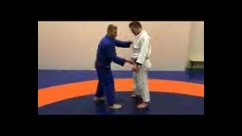 [v-s.mobi]Дзюдо.Бросок через грудь с зашагиванием.Прогиб дзюдо.бросок зацеп снаружи.Judo.Ura nage.Kosoto gake.3gp