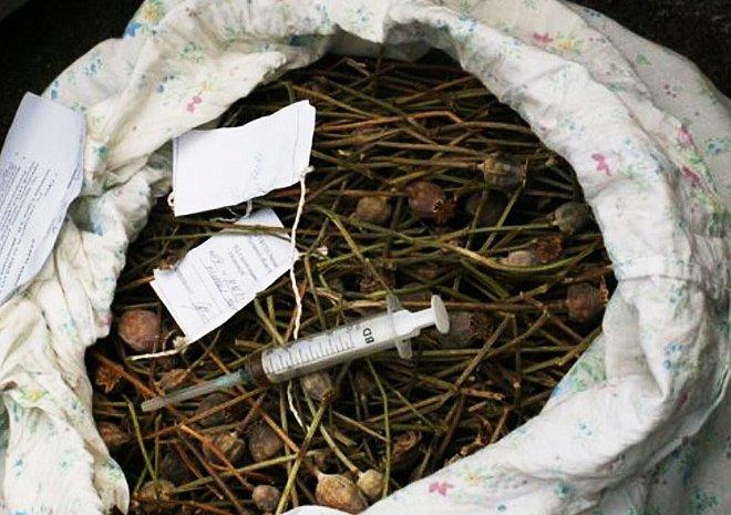 Жители Томской области помогли УМВД изъять почти килограмм наркотиков