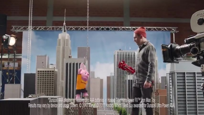 Реклама Duracell с Железным Человеком и Таносом