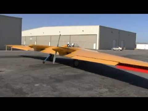 Restored 1943 Northrop Flying Wing: UP-CLOSE FLIGHT DEMO !