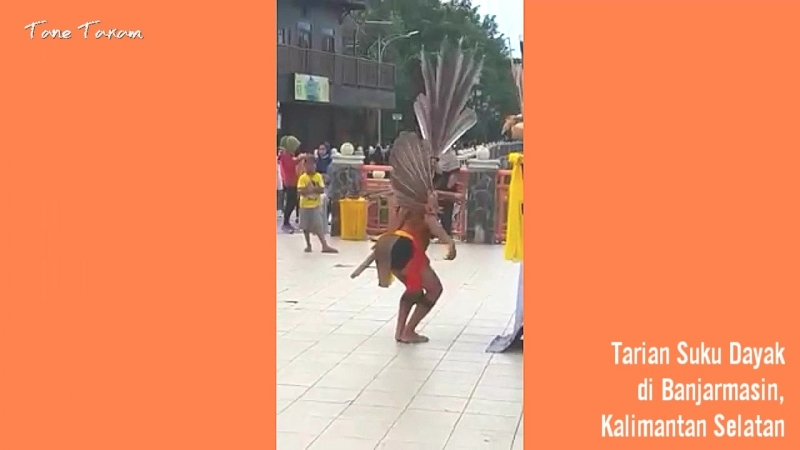 Tarian Suku Dayak di Banjarmasin, Kalsel
