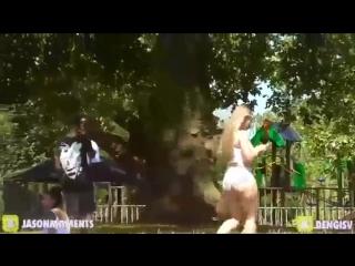 Реакция парней на жопу