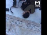 Видео задержания подозреваемого в нападение на 5 школу Улан-Удэ.
