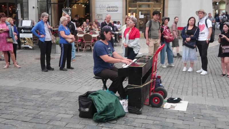 Prague Street Musician - Piano Sonata No. 11, Rondo Alla Turca (Mozart)