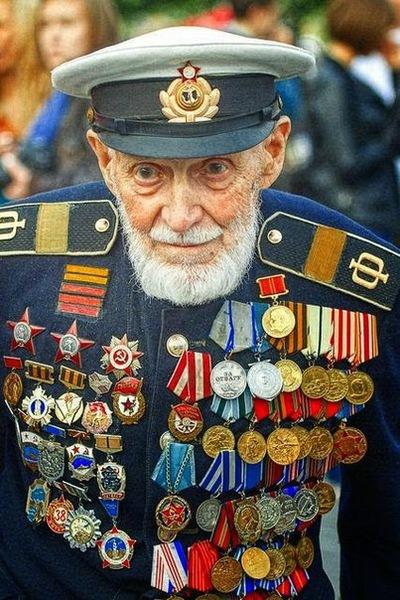 Константин Жданов