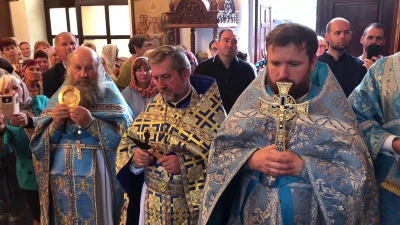 Митрополит Иларион возглавил литургию в Покровском монастыре в Турковичах 15 07 2018 года
