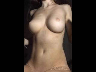 Moralhexx-webcam-girls-Эротика-эротическая-гифка-4407158