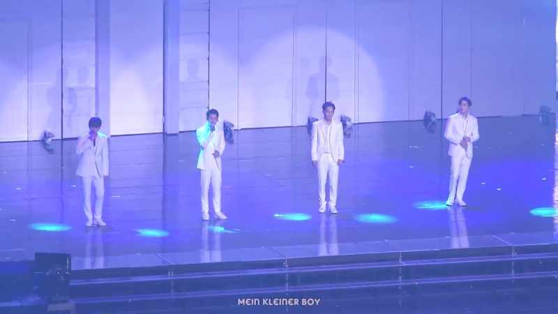 180714 EXO - Moonlight @ The ElyXiOn dot in Seoul Focus