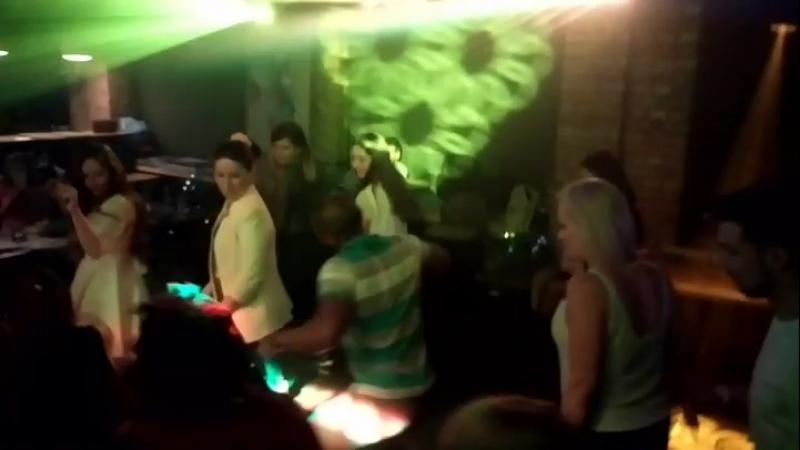 Beso Dance Family - Fiesta