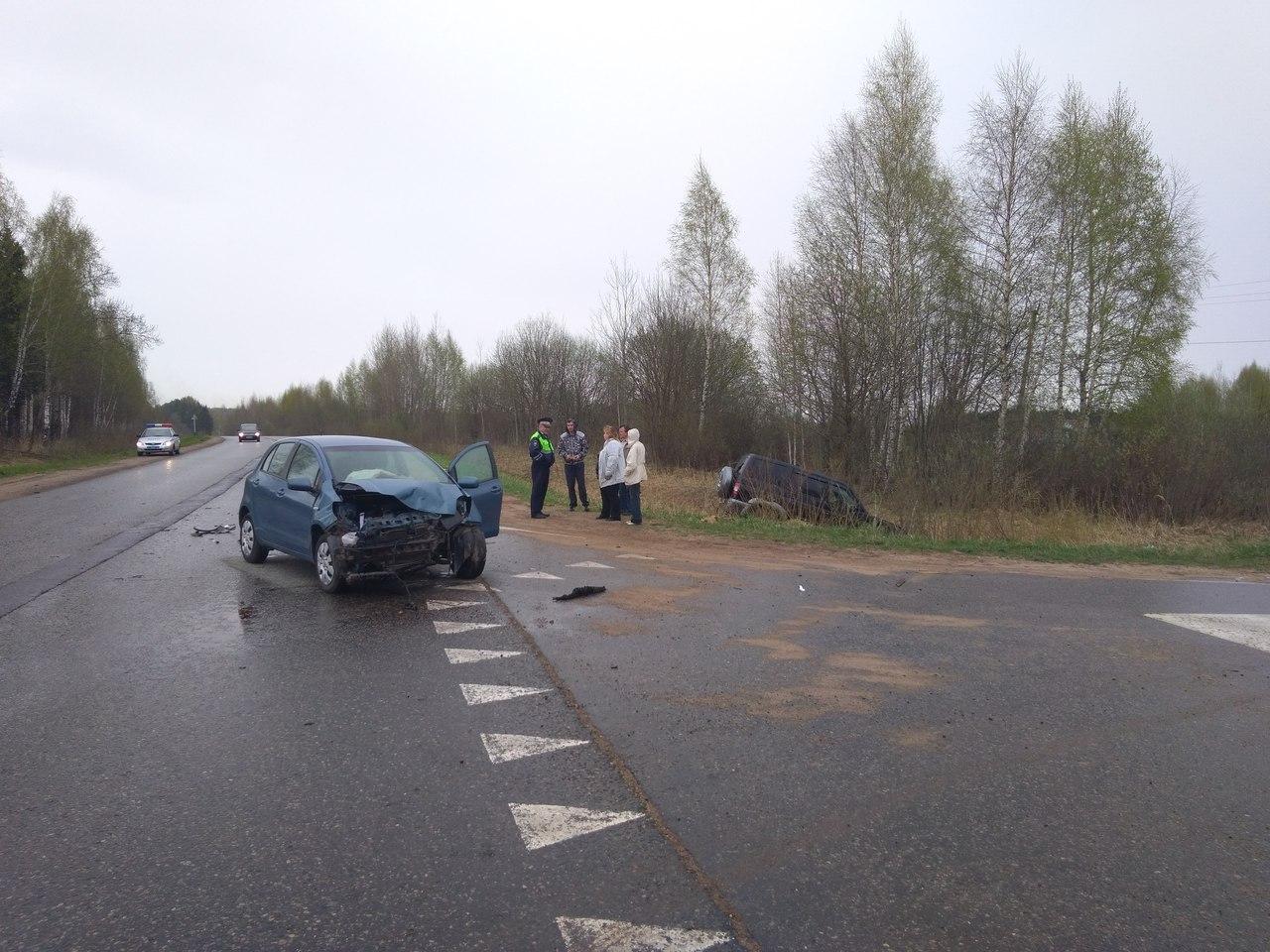 Пожилой водитель спровоцировал аварию с пострадавшей на трассе Дубна –Кимры –Горицы