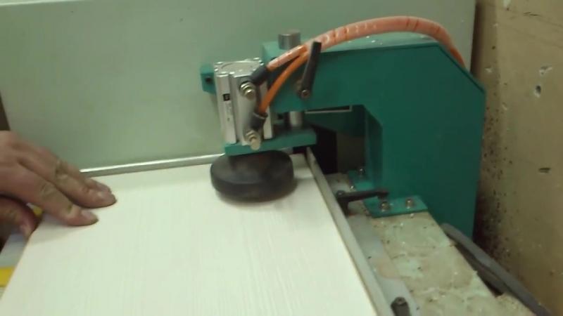 Устройство для обработки и радиусного скругления прямых углов кромки TPN5