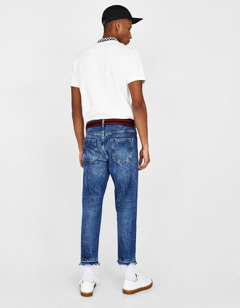 Укороченные джинсы зауженного кроя, с лампасами