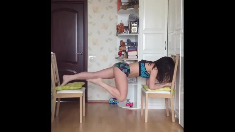 Тренировка на стульях