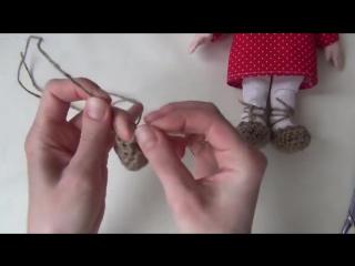 Как я вяжу лапти для домовенка Кузи. Автор: Наталия Крестьянинова (КУКЛЫ)
