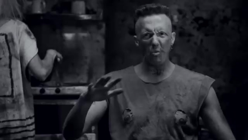 'I FINK U FREEKY' by DIE ANTWOORD (Official).mp4