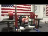 Блейн Самнер жмёт 410 кг