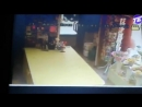 Грабитель напал на цветочный магазин