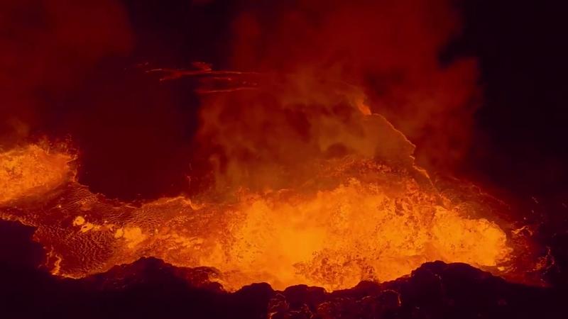 Беспилотник заснял извержение вулкана Бардарбунга ...