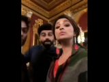 @arjunk26, @ParineetiChopra and Ganesh Acharya sure are having fun shooting a song for NamasteEngland.