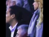 Шакира во время футбольного матча