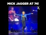 Мик Джаггер в свои 74)