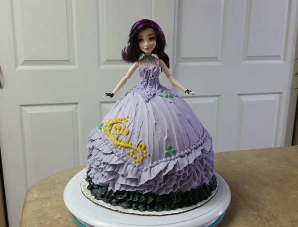 Descendant Mal BARBIE CAKE. Cake Decorating