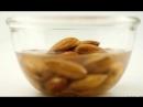Почему лучше замачивать орехи перед тем, как есть