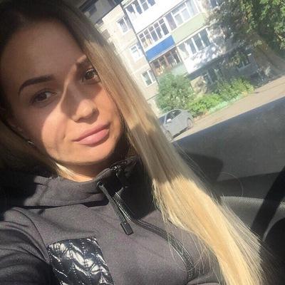 Оленька Нилова