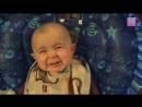 малыш слушает мамины песни