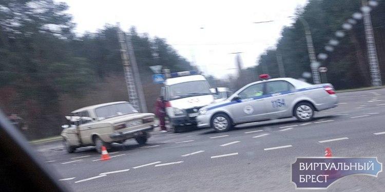 Крупное ДТП на ул. Московской у областной больницы